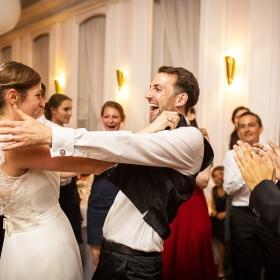 Hochzeitsfotograf-Mike-Bielski_Landhaus-Hubertus-Party01.jpg