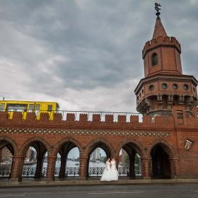 Hochzeitsfotos Oberbaumbrücke Berlin