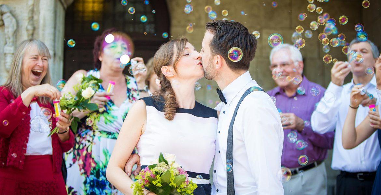 Hochzeit Standesamt Seifenblasen