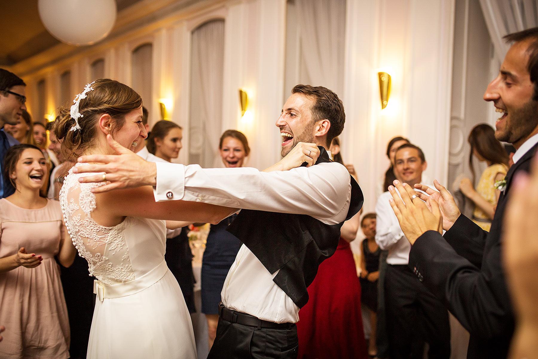 Hochzeitsreportage Berlin - Landhaus Hubertus - Hochzeitsfeier - Mike Bielski Hochzeitsfotografie