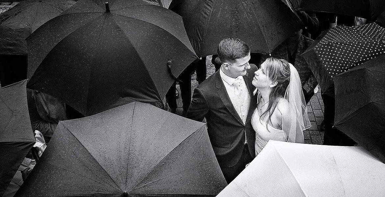 Hochzeit Regen - schlechtes Wetter - Regenschirme